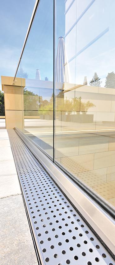 erfo entw sserungsrinne fortis aus fasermodifiziertem beton richard brink gmbh co kg. Black Bedroom Furniture Sets. Home Design Ideas